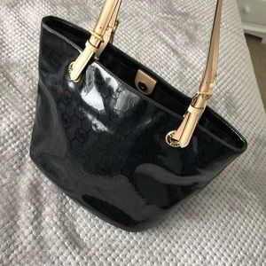 Shiny black Michael Kors Shoulder bag!!